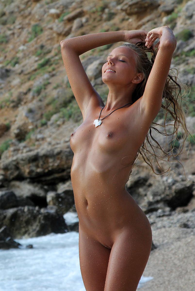 twoclover.com nude