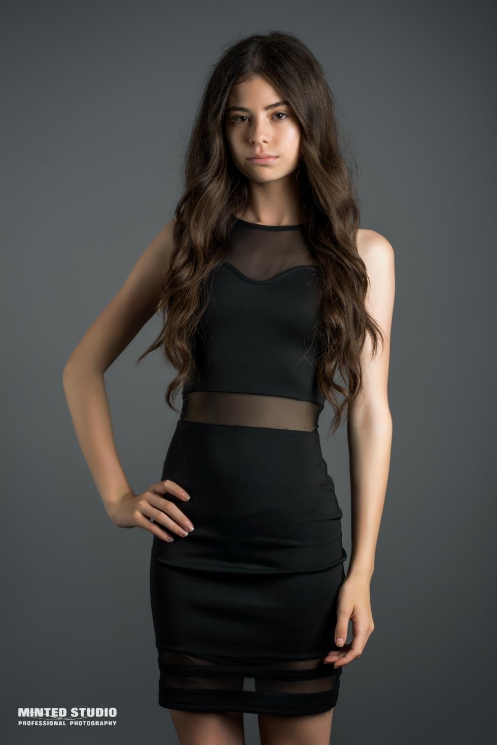 Izabela Model   Minted Models
